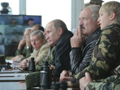 Военные учения // Russian Look