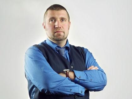 Дмитрий Потапенко // личная страница во «Вконтакте»