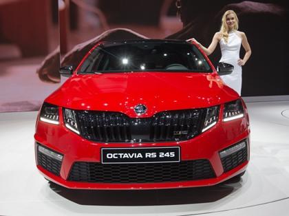 Заказать новую Skoda Octavia можно с января 2017 года, а сами автомобили появятся у дилеров с 1 апреля. // Xu Jinquan / Global Look Press