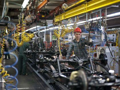 На УАЗе будут работать пять дней в неделю // Global Look Press / Konstantin Kokoshkin