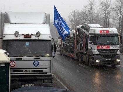 Протест дальнобойщиков в Петербурге  // Zamir Usmanov / Global Look Press