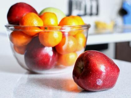 Польские яблоки могут завозиться из Швейцарии или Белоруссии // Elena Sikorskaya / Russian Look