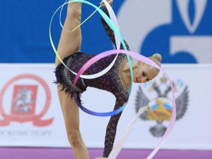 Яна Кудрявцева // сайт Федерации художественной гимнастики