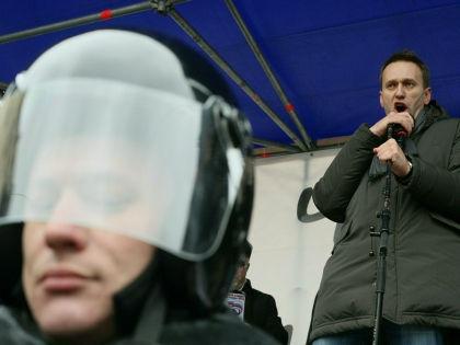 Власть не боится ни Навального, ни Немцова, полагает адвокат  // Замир Усманов / Russian Look
