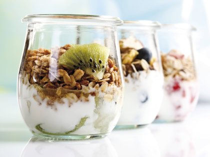 Наука не нашла доказательств пользы йогуртов для здоровья // Global Look Press
