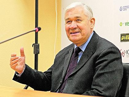 Владимир Юрзинов //