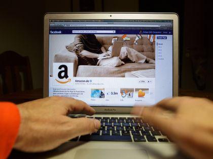Введение налога приведёт к росту цен на интернет-услуги, предсказал министр // Global Look Press