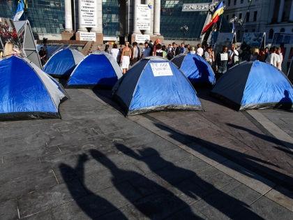Палатки активистов 7 июня // Global Look Press