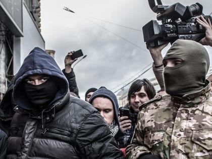 Активисты потребовали ввести военное положение и решить социальные проблемы // Global Look Press