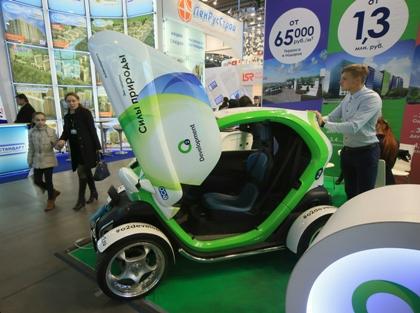 В рамках ПМЭФ российский УАЗ и компания «Россети» договорились о совместной работе над электромобилями // Zamir Usmanov / Global Look Press