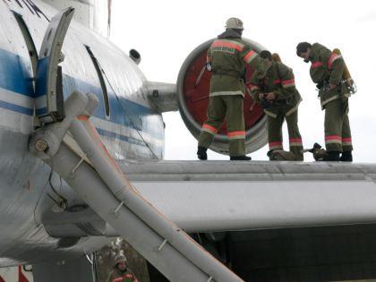 Самолёт получил повреждения шасси и левого крыла // Nikolay Titov / Global Look Press