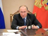 Сергей Ежов: Образ Путина наизнанку