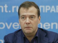 """Кто сразил Медведева – Навальный или """"русский грипп""""?"""