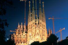Бессмертное творение Гауди - Храм Святого семейства в Барселоне