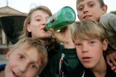 Детям нужно рассказывать не о вреде спиртного, а о биохимии алкоголизма