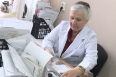 Алевтина Хориняк работает врачом более 50 лет