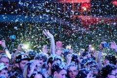 """Рейд наркополицейских на """"Пиратскую станцию"""" подвигнул ФСКН инициировать запрет молодежных концертов"""