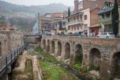 Тбилиси - город контрастов, где древность и современность слились воедино