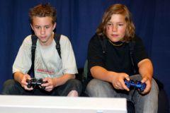 Склонность детей к жестоким видеоиграм зависит от психики родителей