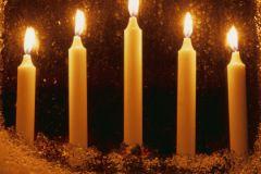 Свечи нужно разместить в самых важных местах в доме