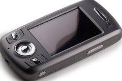Мама выпавшей из окна девочки оставила ей мобильный телефон