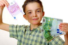 Не стоит выдавать ребенку деньги за успехи в школе