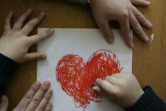 К сожалению, в России многие считают аутистов отсталыми и асоциальными