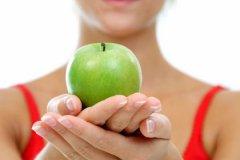 От защиты против катаракты до белых зубов: самые удивительные свойства яблок