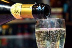 Риск развития гипертонии у женщин вырастает даже после небольших доз спиртного