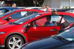 В условиях, когда новые машины слишком дороги, покупатели обращают свой взор на подержанные авто