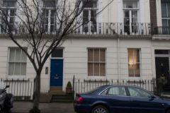 Когда-то Белгравию «открыл» для российских богатеев Березовский. Теперь здешние апартаменты дорожают в рублях – и дешевеют в фунтах: нет спроса