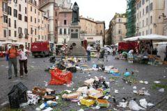 Горы мусора в Риме