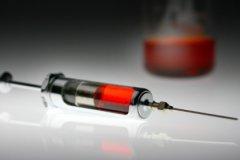 Взрослым людям прививки также крайне необходимы для защиты здоровья