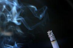 Ученые назвали бездымный табак еще более опасным для здоровья