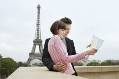 Туристы в Париже