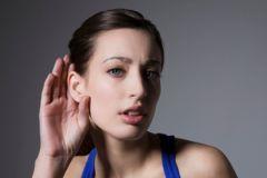 Врачи смогут лечить потерю слуха с помощью особых белков