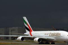 Пассажир самолета компании Emirates устроил пьяный дебош на борту