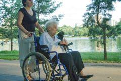 Скандал возник из-за того, что тяжело больным россиянам все чаще отказывают в получении инвалидности