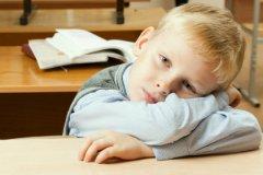 Не спешите думать, что ваш сын лентяй или капризуля