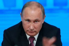 Владимир Путин на пресс-конференции в 2014 году