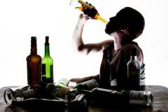 Алкоголиков в России около 2,7 млн человек