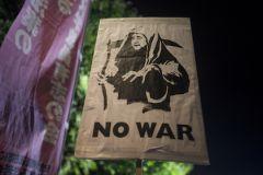 В XXI веке, несмотря на борьбу стран за мир и благополучие, продолжаются тяжёлые войны