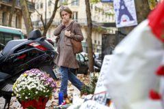 Мир до сих пор в шоке от трагедии в Париже