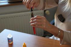 Эксперты назвали вишневый аромат самым опасным для электронных сигарет
