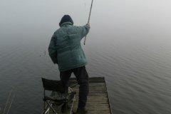Чтоб прийти в себя после перенесенных страданий из-за поломки автомобиля, идите на бережок, берите удочку и ловите рыбу