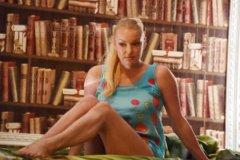 Анастасия Волочкова в спектакле «Пришел мужчина к женщине»