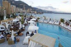 Большинство туристов всем видам размещения на отдыхе предпочитают курортные отели