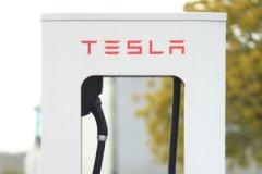 Несмотря на срыв сроков поставок, эксперт называет предложения Tesla привлекательными