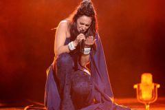 Джамала во время исполнения победной песни на Евровидении-2016