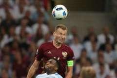 Василий Березуцкий стал героем матча, сравняв счет на последних минутах